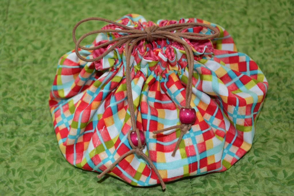 Pattern by Denise Russell Drawstring Sewing Pouch Pouch and Pincushion