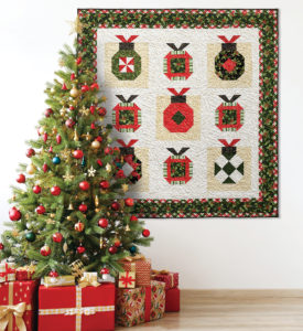 Christmas quilt with ornaments – win the magazine!